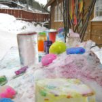 Esperienze di outdoor education #2: Coloriamo la neve!