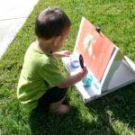 Il cavalletto da pittura con il cartone delle pizze!