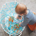 Attività con la cesta della biancheria per i più piccoli